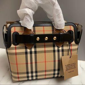 BRAND NEW⭐️ Burberry Belt Bag Mini ⭐️